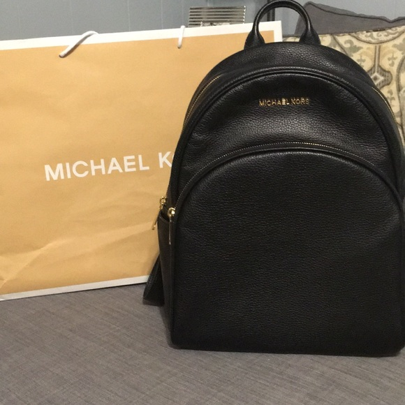 e0cba18afff9 Large black leather Michael kors backpack. NWT